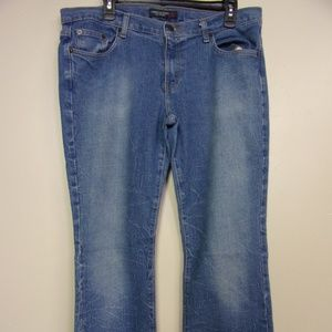 american Eagle  Boot cut Jeans  sizs  14